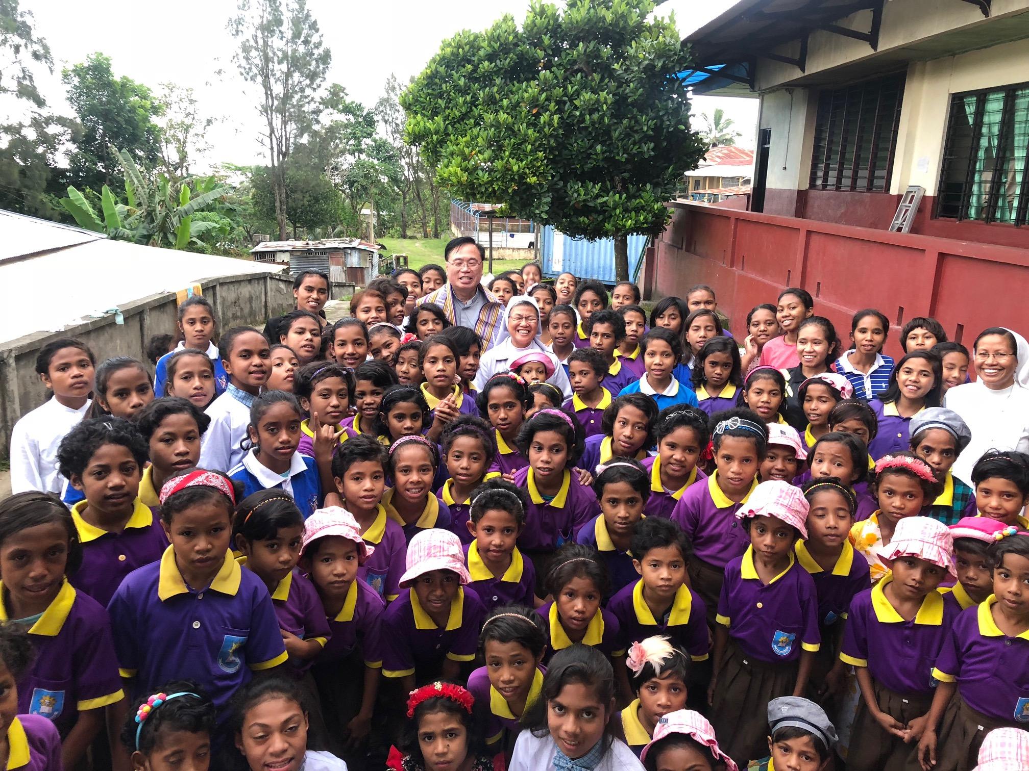 Timor L. orfanato